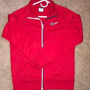Boys zip up Nike lightweight jacket.  EUC